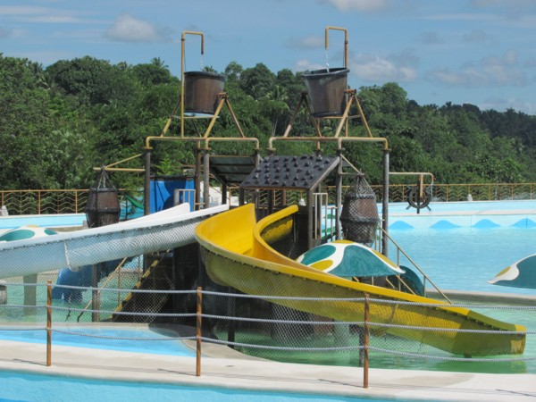 Wave pool and raging water at d 39 leonor hotel inland resort davao city davao delights for Apartelle in davao city with swimming pool