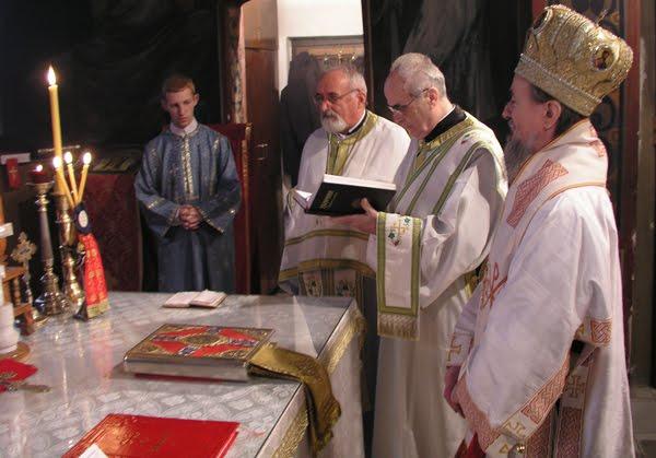 Епископ Атанасије (Ракита) у Вождовачком храму