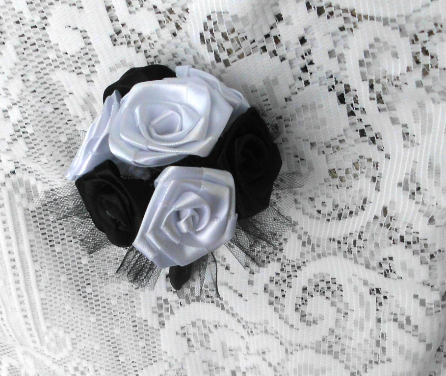 Flower Bouquet Black And White Black And White Rose Bouquet Fabric Flowers Handmade Posted by Sarah Ganly