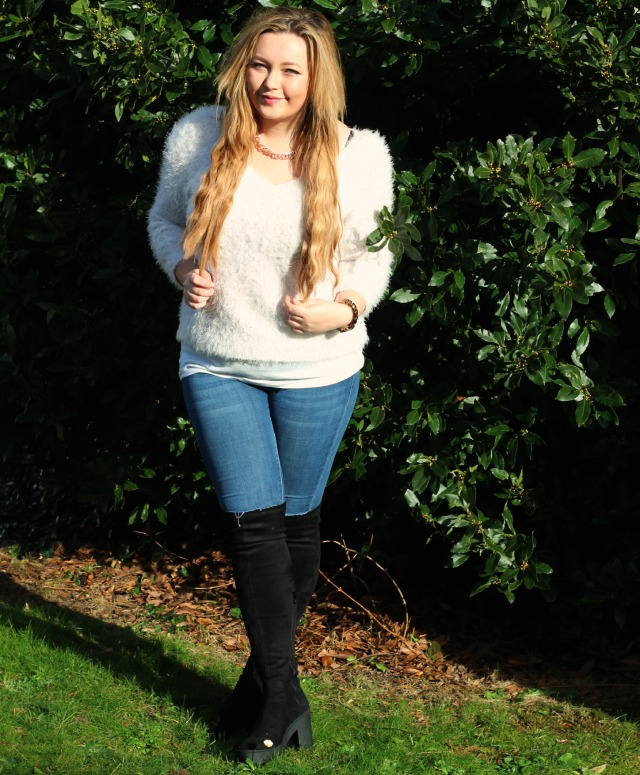 river island, white, fluffy, jumper, winter, style, shoulder pads, ootd, topshop leigh jeans, vintage wash, public desire amie boots, black, over the knee, rose gold chain, h&m, fashion
