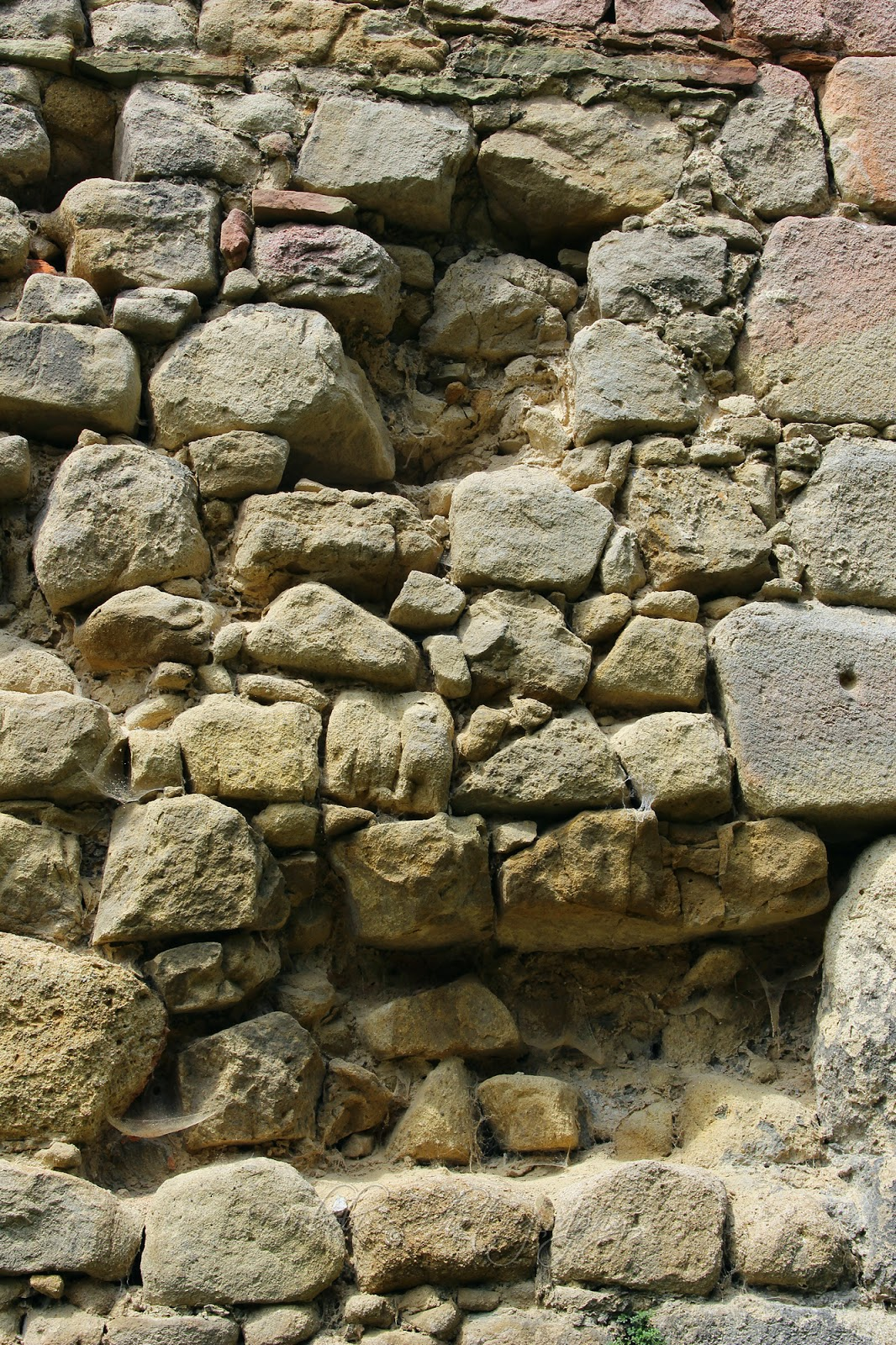 Středověké zdivo/The Medieval Wall
