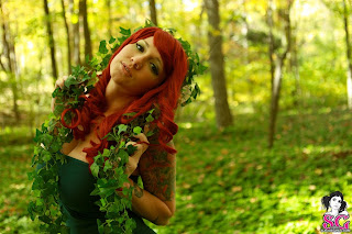 06 Busty Babe Phecda Dressed As Poison Ivy And Strips Nude In Jungle HQ Photos
