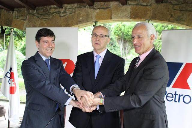 Petronor, Zierbena y Digipen firman un acuerdo para la reproducción digital de una torre de destilación