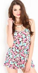 http://loveculture.com/1000023522.html?dwvar_1000023522_color_code=001#q=floral&start=16
