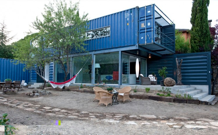 Shipping container homes james and mau architecture el tiemblo spain shipping container home - Shipping container homes el tiemblo spain ...
