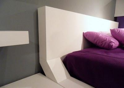 dormitorio moderno púrpura blanco gris