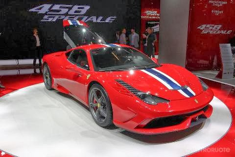Mobil Ferrari 458 Speciale
