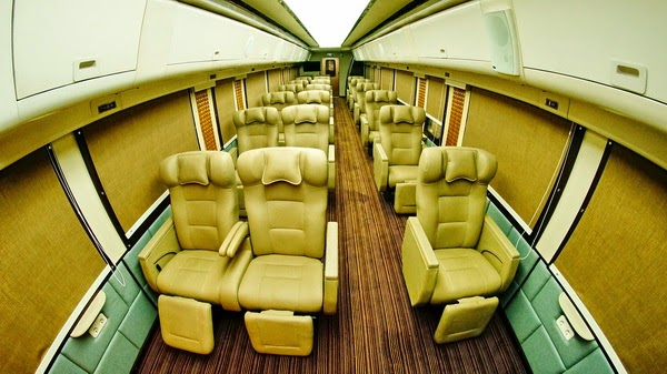 interior_kereta_api_wisata