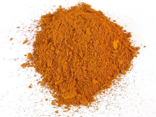 Il pigmento giallo o, volendo, gianduia, ricavato dalla terra bolare colorante di ponte di Veja
