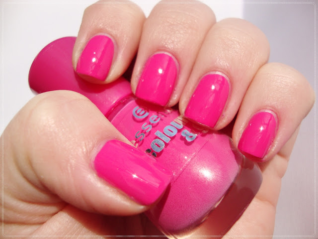 essence bright pink nail polish