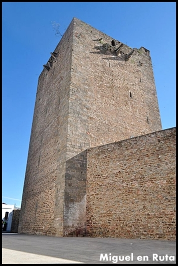Olivenza-Torre-del-Homenaje
