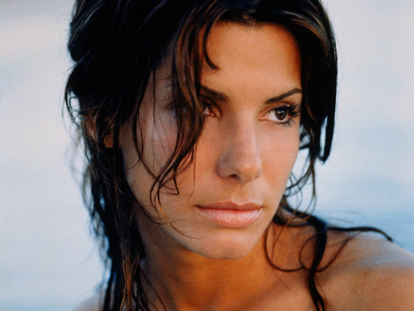 http://4.bp.blogspot.com/-MUsi_A4FqVU/To2Oe5QpHLI/AAAAAAAAALM/GClYF45dfy0/s1600/Sandra_Bullock_Wallpapers_photoshoot%2B%25287%2529.jpg