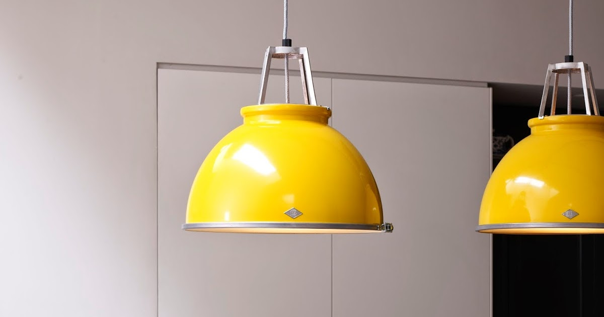 homescopie  une suspension  de style industriel   u00e9clatante en jaune u2026sign u00e9e original btc