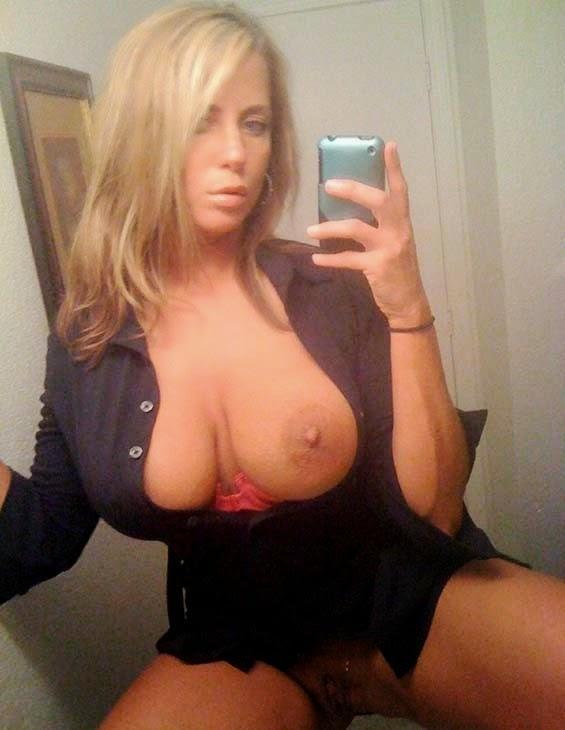 gran tit selfie