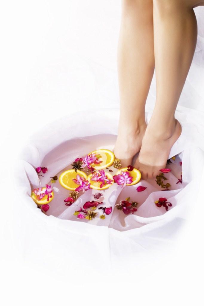 Pure Spa Direct Blog: Affordable Luxury - The Cedar Wood Foot Soak Tub