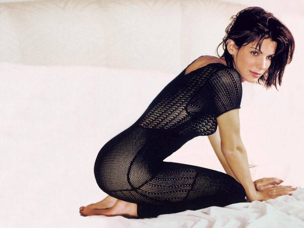 sandra bullock sexy look - photo #10