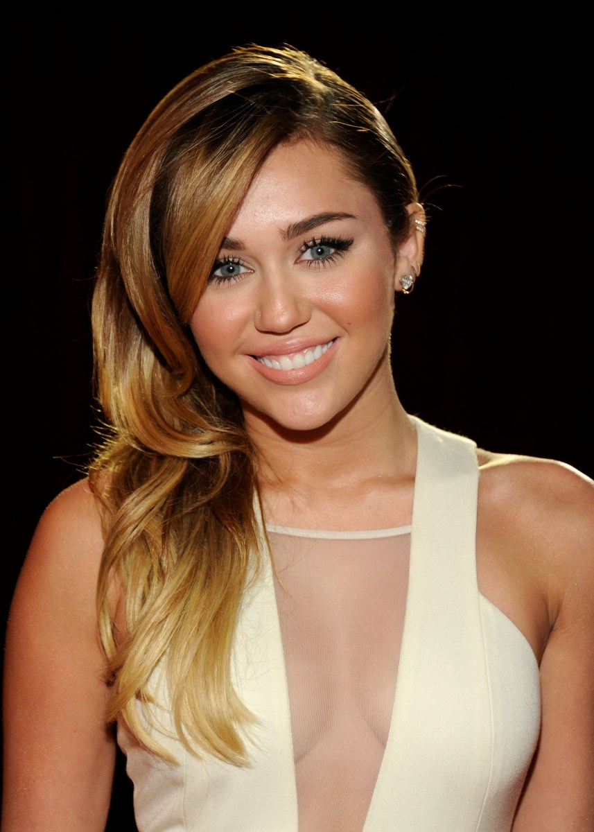 Miley Cyrus Hot Pictur...