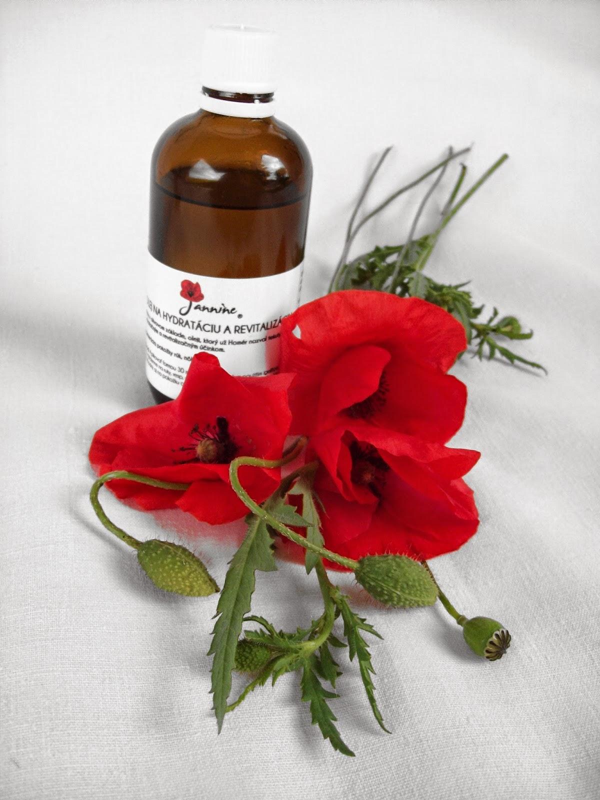 Táto typicky lekárenská fľaštička s bezpečnostným uzáverom, vkusnou etiketou s návodom na použitie a pekným logom značky Jannine uchováva prírodný olej dobre chránený pred vzduchom i svetlom. Vydrží voňať celé roky.