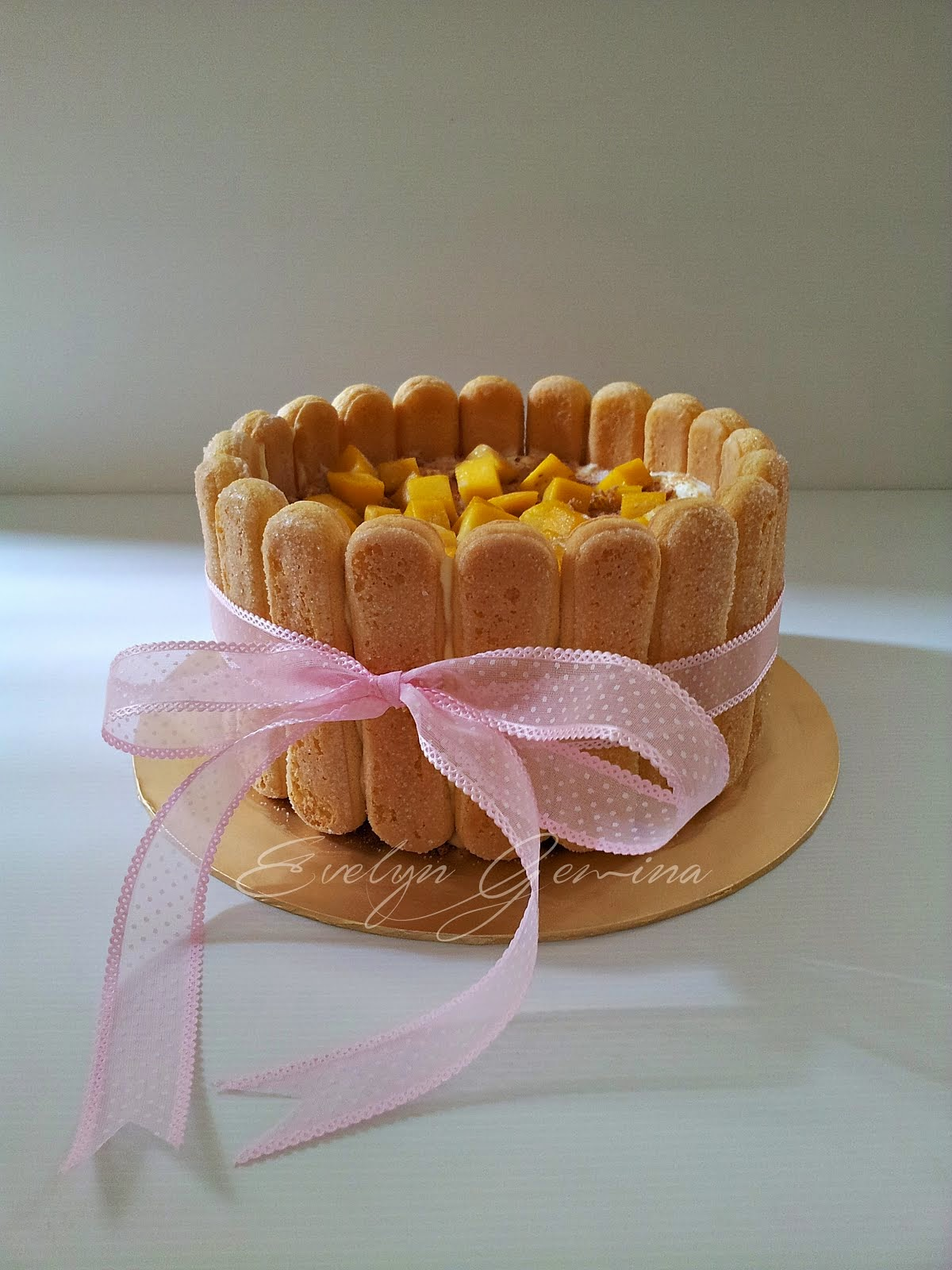 Mango Float Cake / 1.5kg (8 inch)