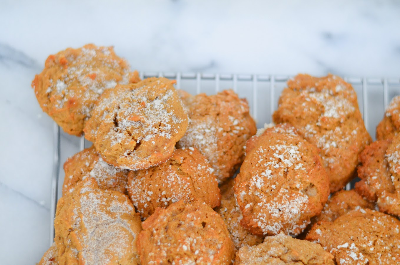 Soft Molasses Cookies | Holiday Christmas Cookie Exchange Idea | Luci's Morsels :: LA Food Blog