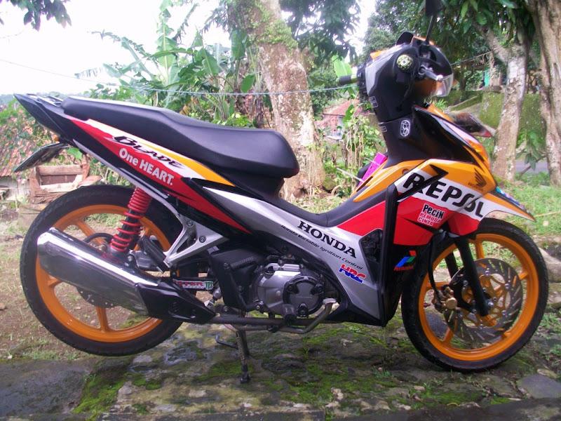 Modifikasi New Honda Blade Repsol title=