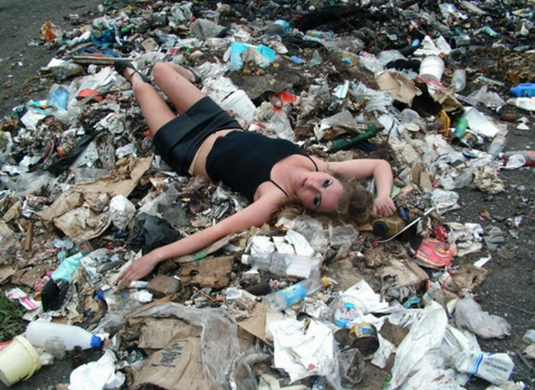 (GAMBAR) Posing Maut Wanita Cantik Bikin Anda Terbeliak Mata... WOWWW!!