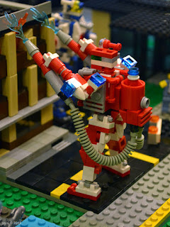 sydney brick show - firefighting mech