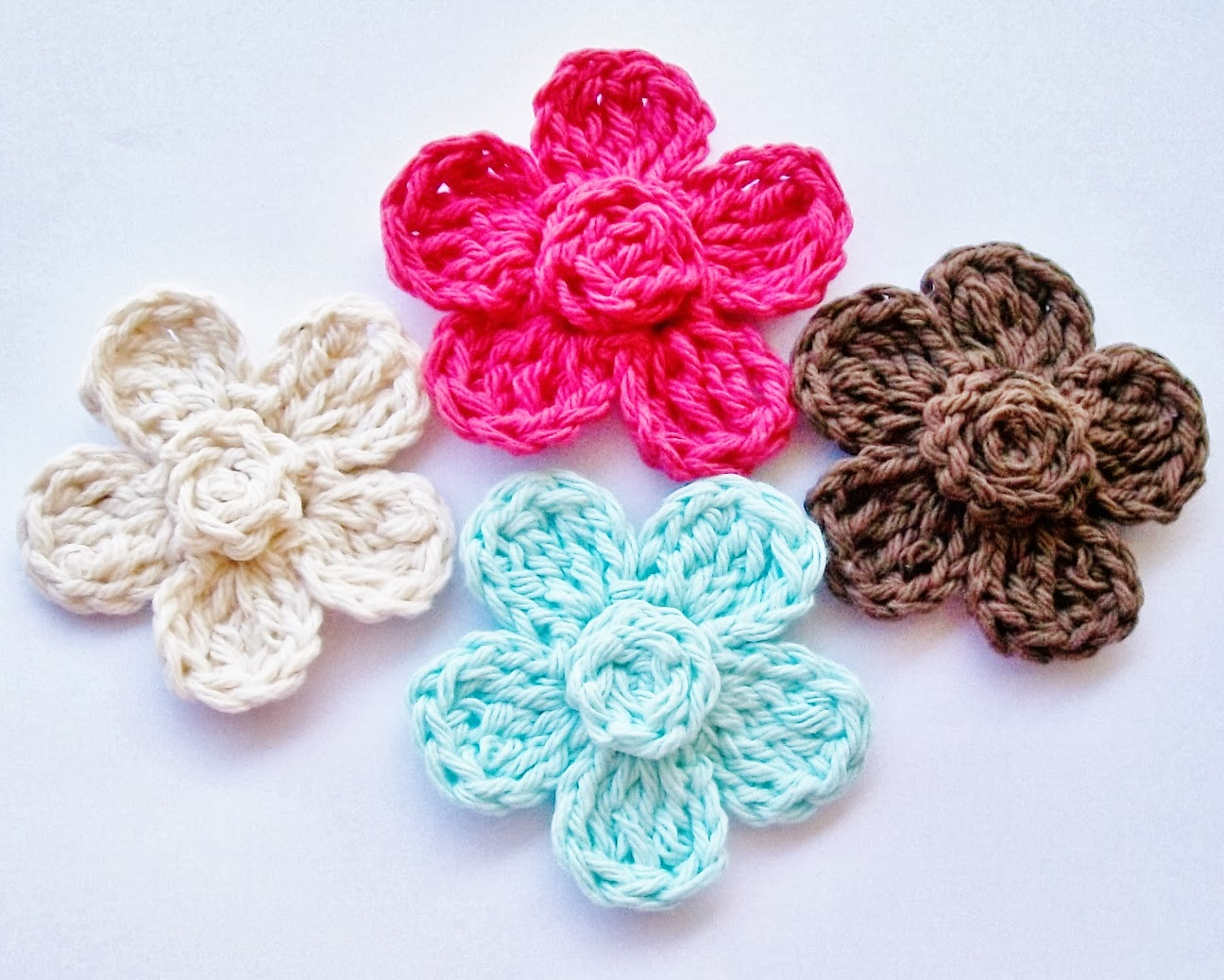 Free Crochet Pattern Simple Flower : Flower Girl Cottage : Free Crochet Flower Pattern