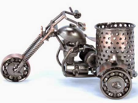 gambar motor unik mainan dari besi