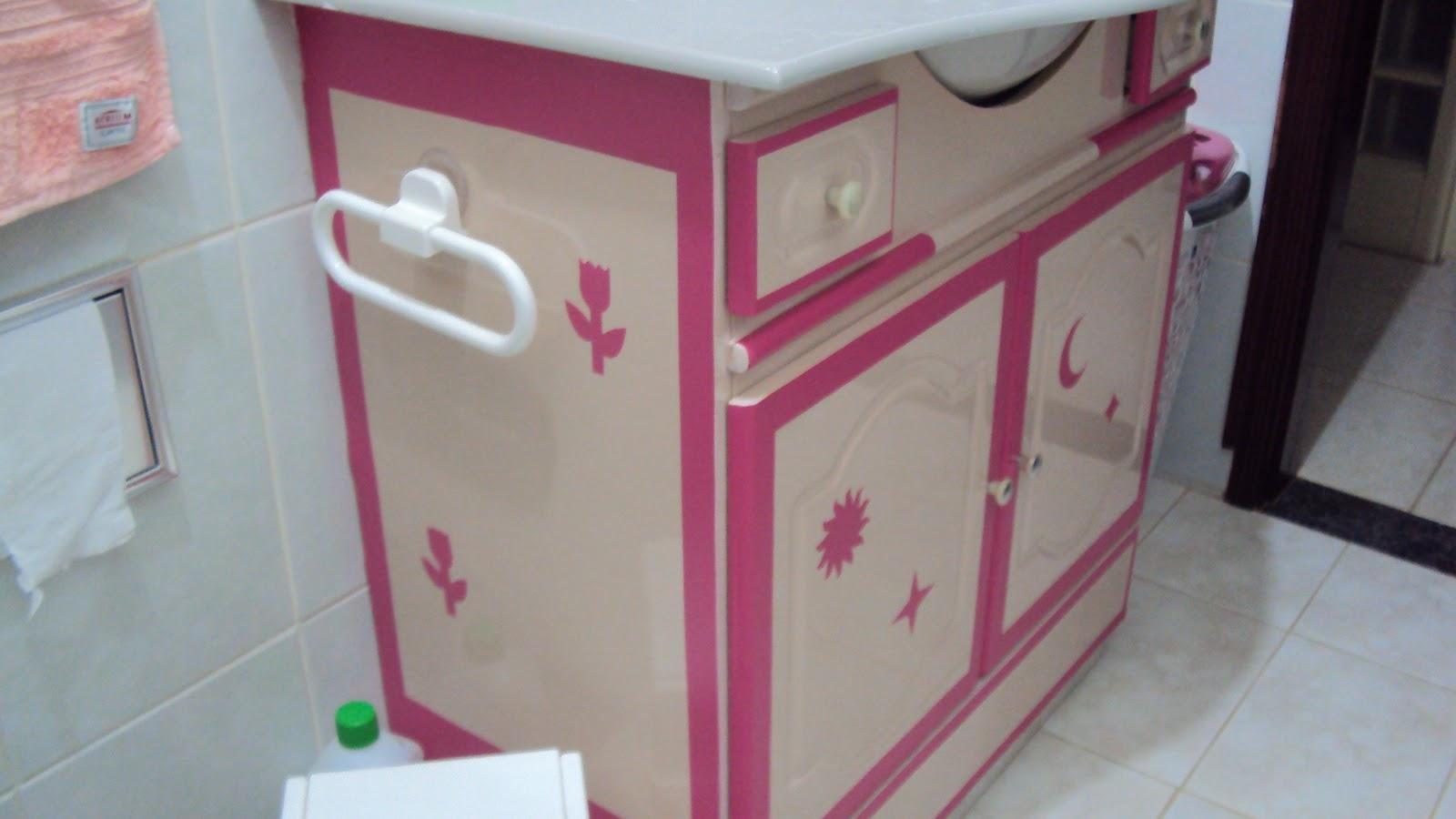 Meu mais novo móvel velho Variando o armário de banheiro -> Como Reformar Armario De Banheiro De Mdf