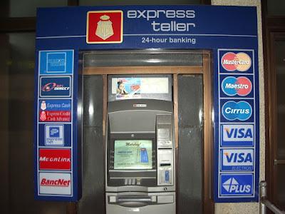Mengambil Uang di ATM Luar Negri
