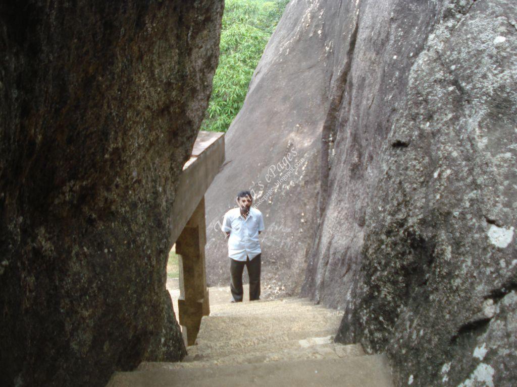 http://4.bp.blogspot.com/-MWGnqUNTesI/URNtFTQSmHI/AAAAAAAAENM/Ujp7jCH6-q0/s1600/krishnasepages.blogspot.com_30ChitharalRockcutTemple.JPG