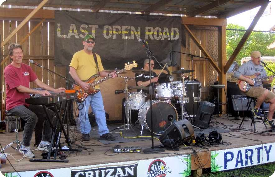 2015-05-22 at the Thirsty Badger