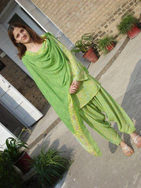 Desi Beautiful Punjabi Hot Girls Photos