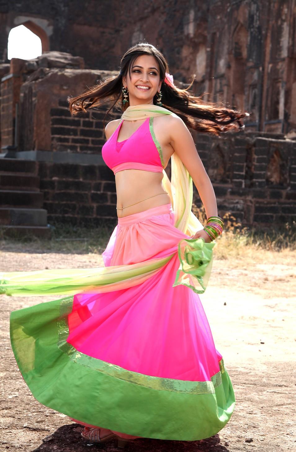 Kriti Kharbanda Hot Navel Show Stills in Pink Dress