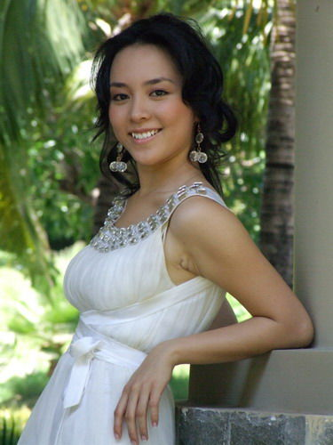 miss vietnam 2008 duong truong thien ly sexy photos 05