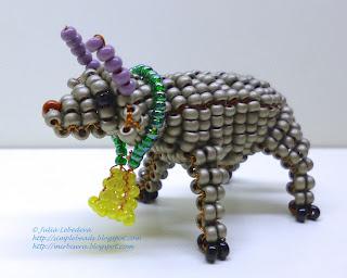 Bull in 3D beading