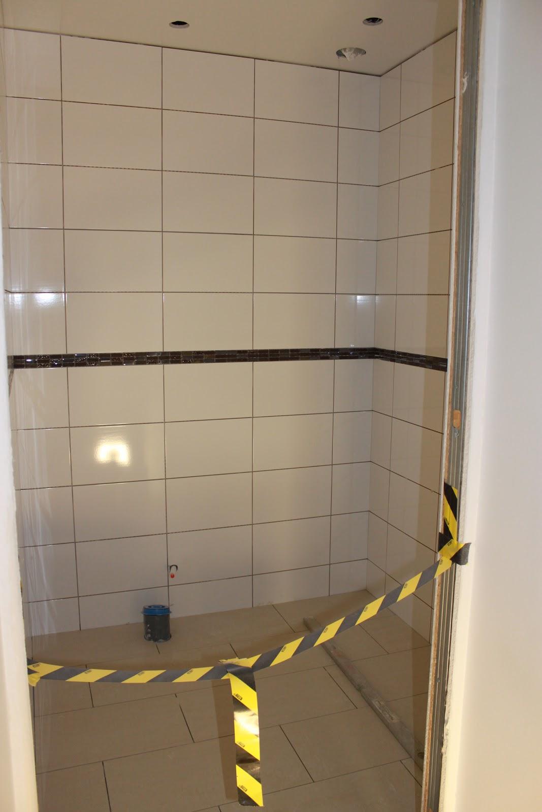Am dreamhouse: badrum börjar ta form