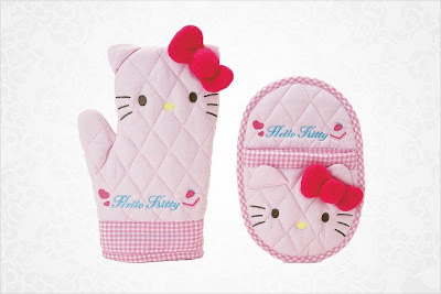 Hello Kitty oven glove