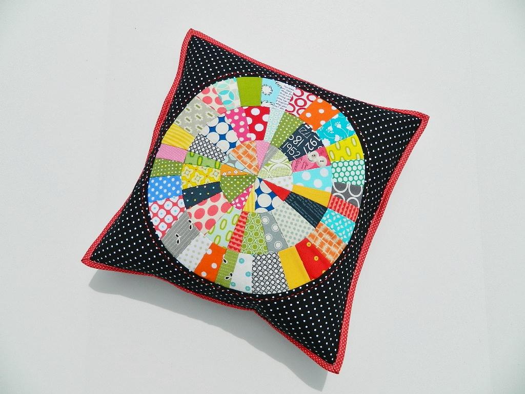 Modern Quilted Pillow : s.o.t.a.k handmade: modern quilted pillow swap