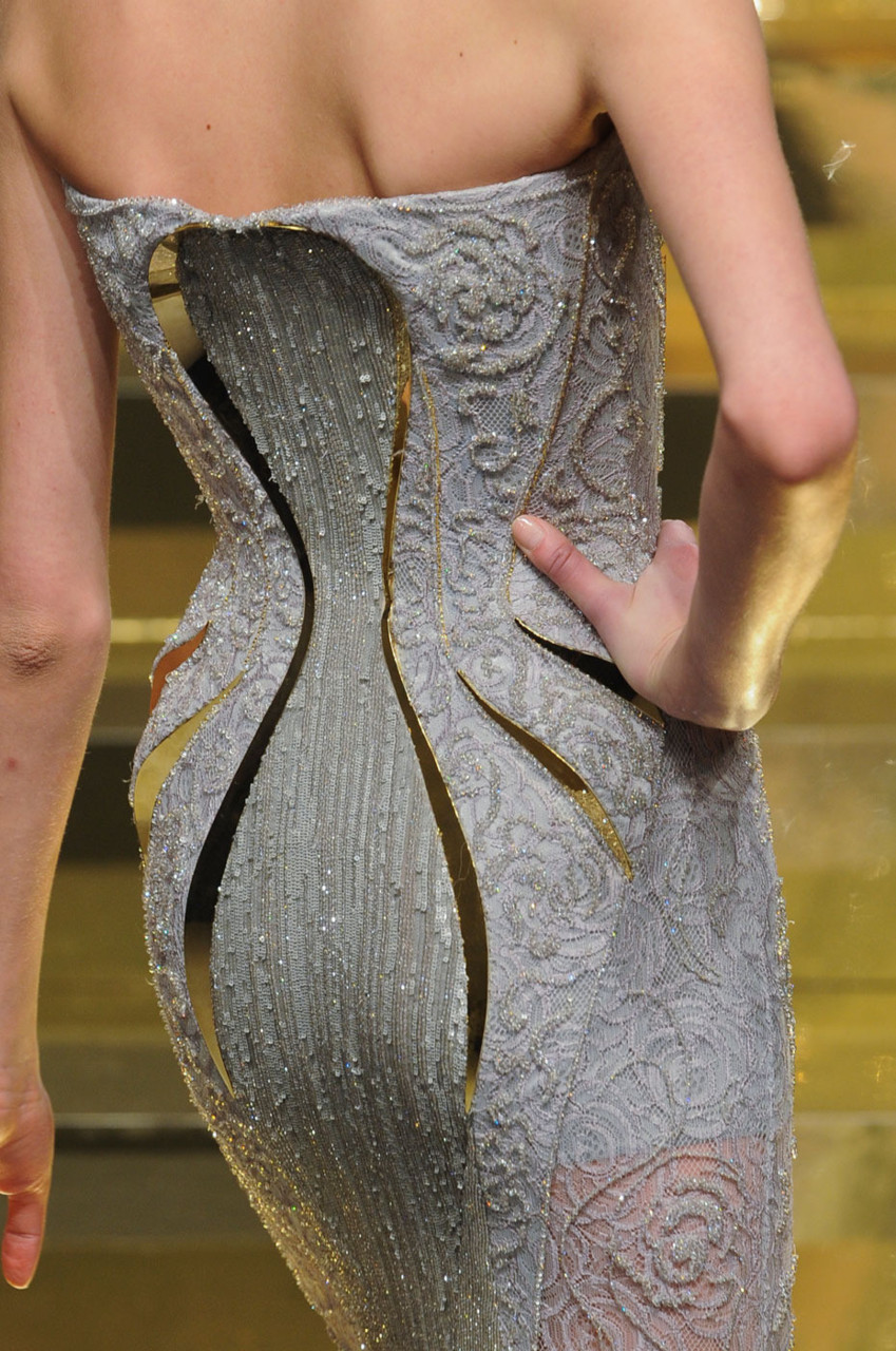 Versace haute couture ss 2012 details cool chic style for Couture vs haute couture
