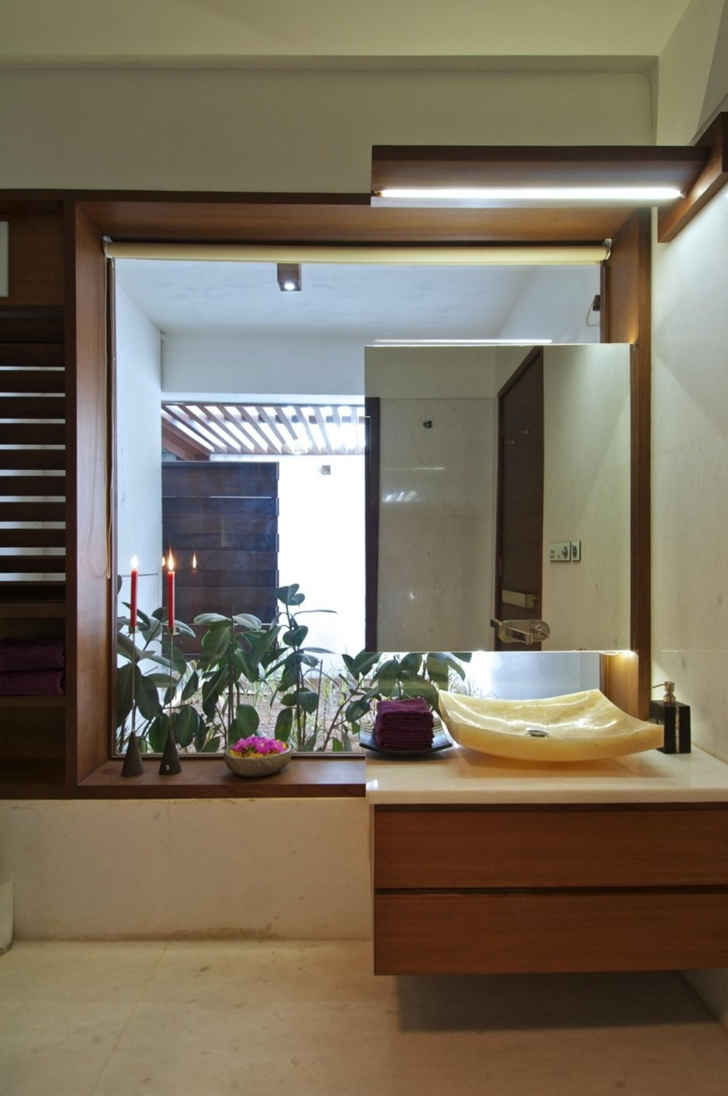 Bathroom of Courtyard Home by Hiren Patel Architects