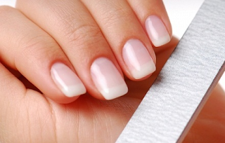 tips membuat kuku panjang dan cara merawat kuku agar kuat, bersih dan tidak mudah patah
