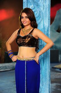 Tamil Actress Sheena Latest HQ Photos