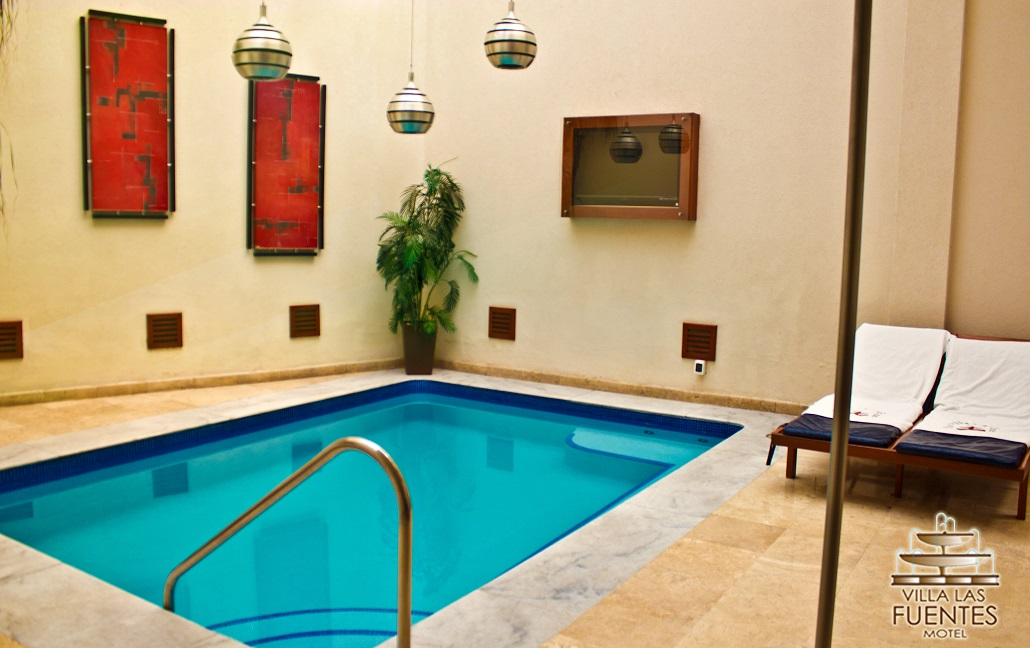 Moteleros de guadalajara villa las fuentes motel suites for Motel con piscina privada