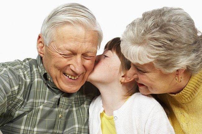 como a los abuelos ambos se sentirán inmensamente felices de convivir ...