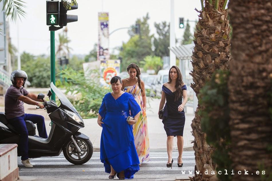 madrina cruzando la calle