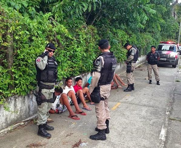 Seis adolescentes são apreendidos durante assalto a ônibus no centro da capital