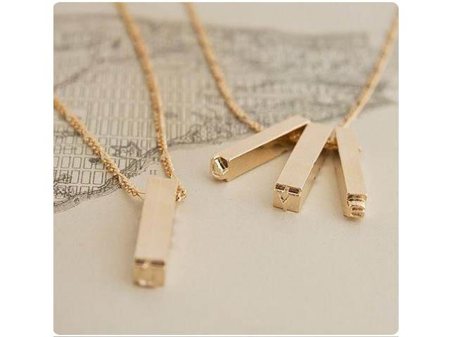 lettres à frapper bijoux