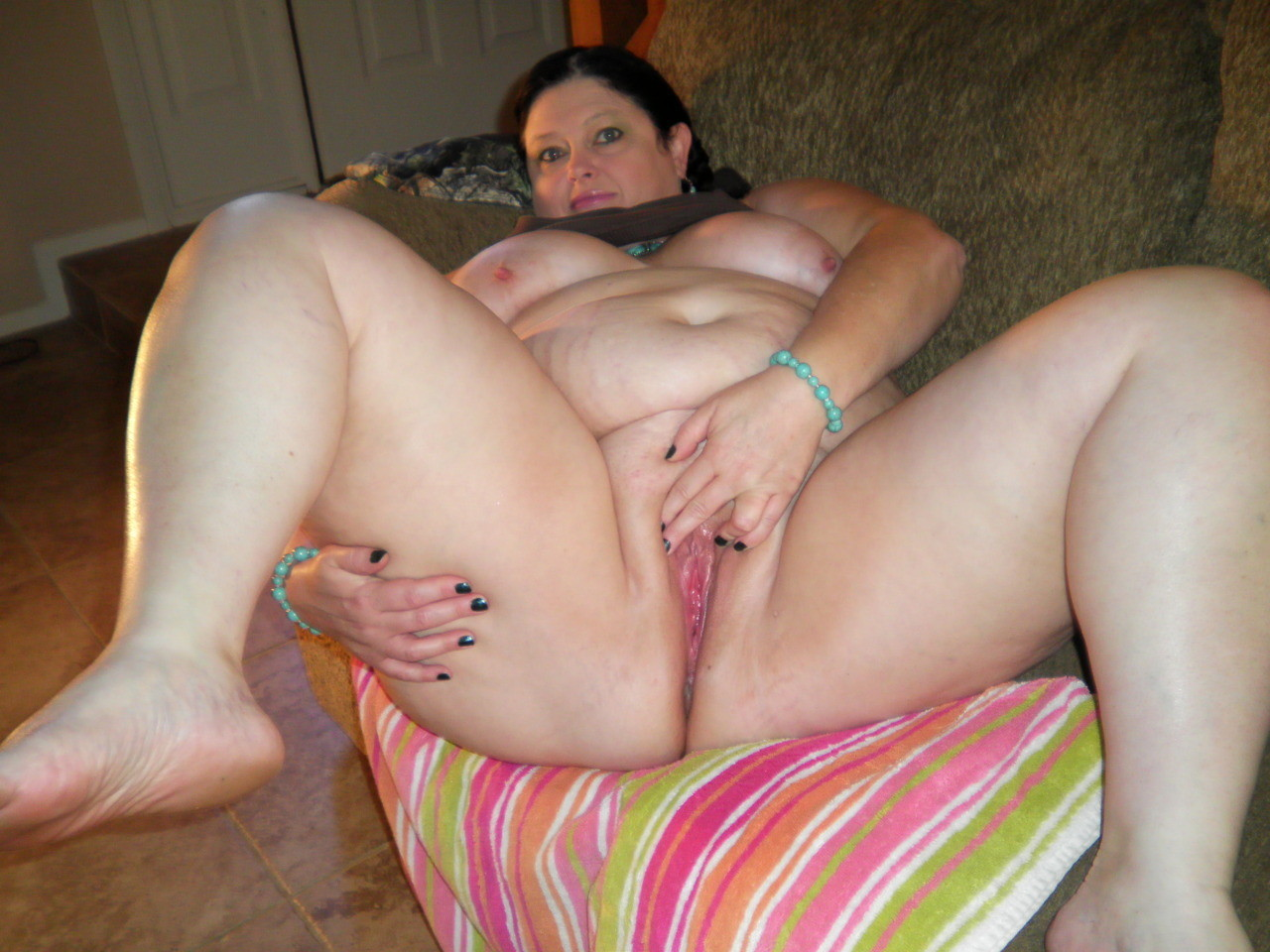 Gauche anal bbw mature housewives shit.. She has
